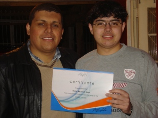 Bruno Souza foi o primeiro aluno da nossa equipe de professores. Neste mês ele finalizou o curso dele de inglês obtendo o certificado de nível intermediário. Parabéns Bruno pela conquista e empenho!!!